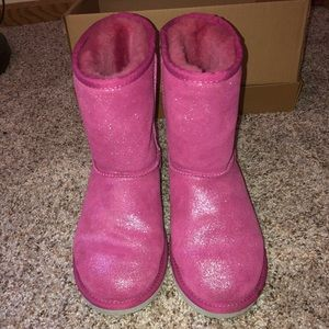 Ugg boots with original box. Fits my size 7 feet